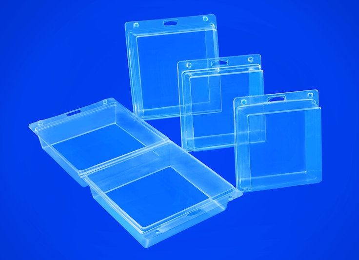A family of transparent clamshell packaging for retail products